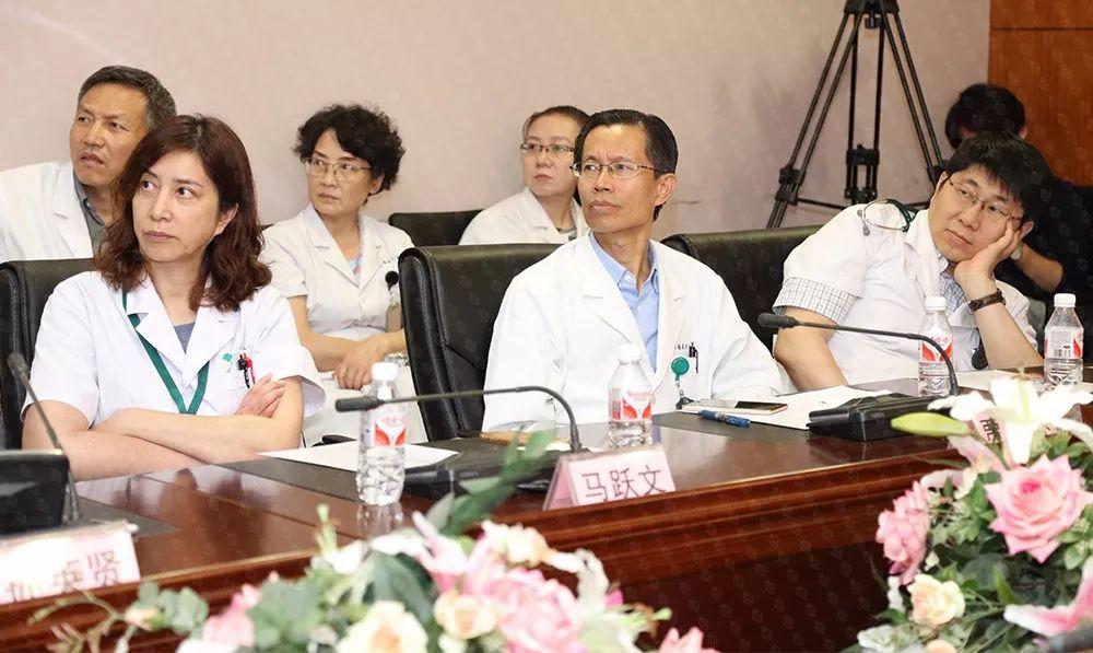 随后,与会专家就学术报告及心血管康复领域的前沿问题进行了深入的交流与探讨。